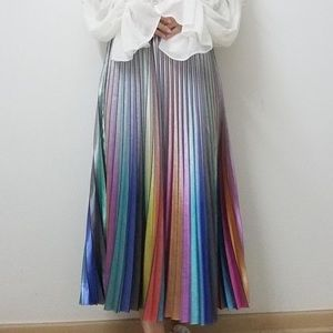 NWT BUYKUD Rainbow Pleated Skirt Made in Italy